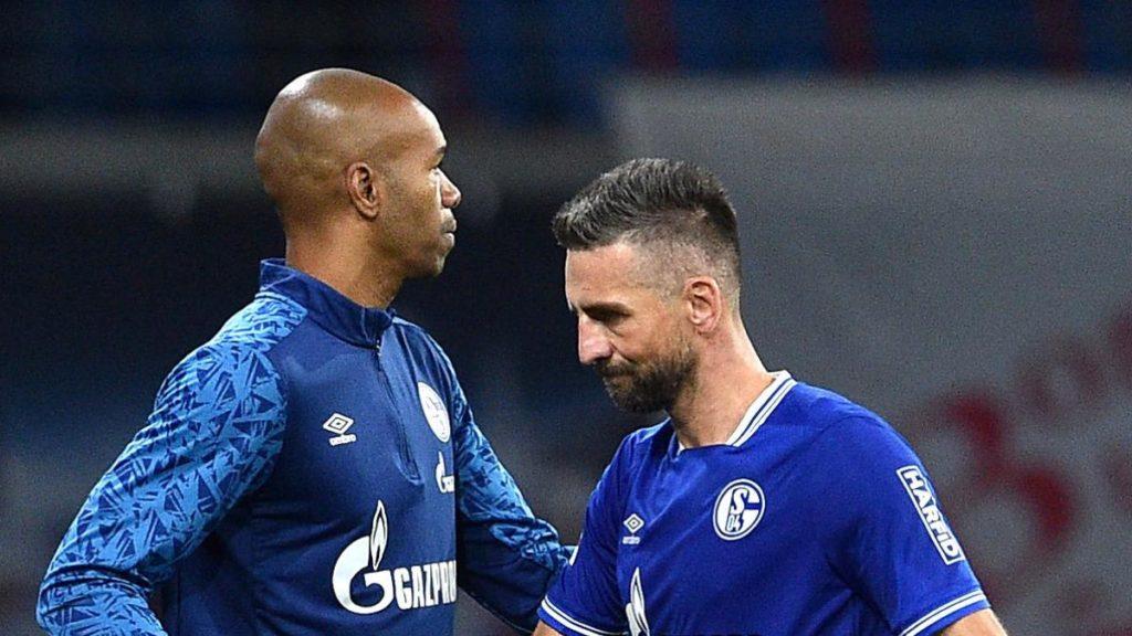 Schalke tone sve dublje: Vedad Ibišević akter fizičkog obračuna na treningu