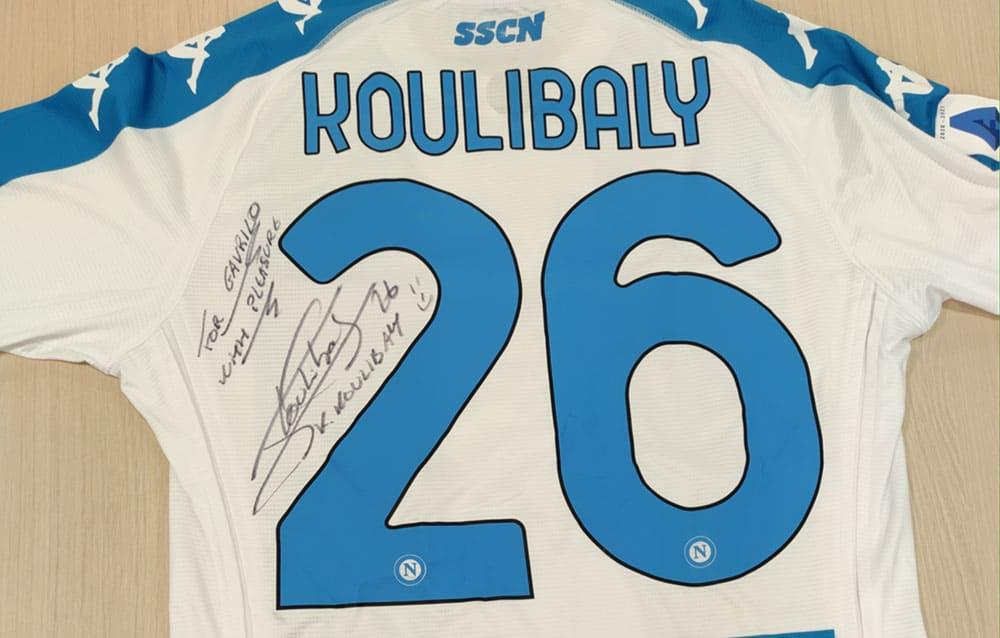 Svjetski igrači se priključili Ronaldu i Mesiju na Mozzartov poziv i poklonili svoj dres za pomoć malom Gavrilu